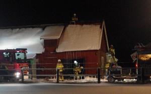 Brand i ladugård södra Bostorp